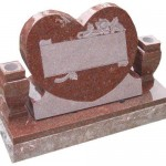 mk138_india_red_granite_heart_monument_LARGE